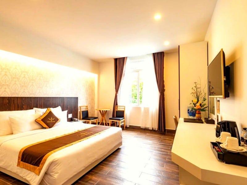 Khách sạn Dalat Plaza