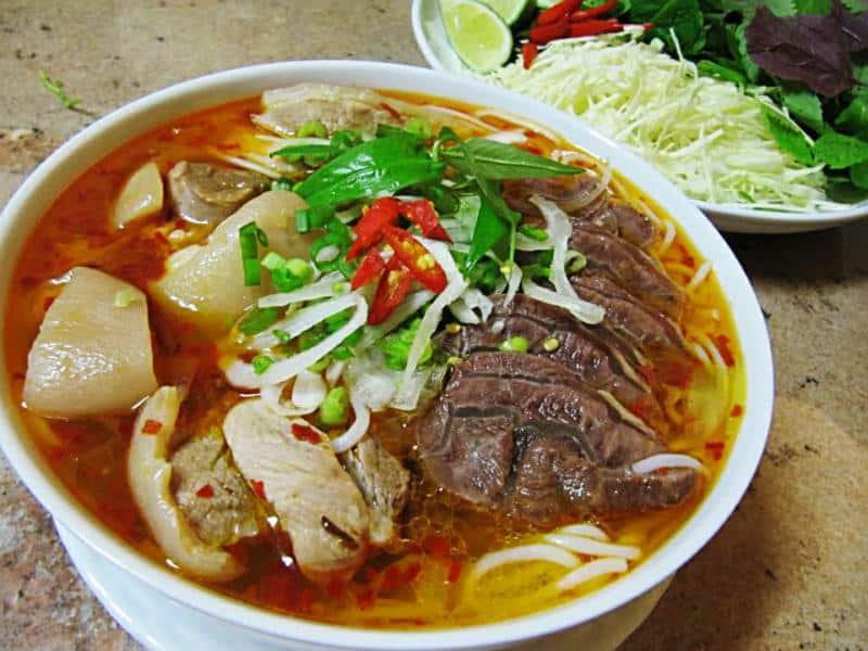Món bún bò huế ngon ở Đà Lạt